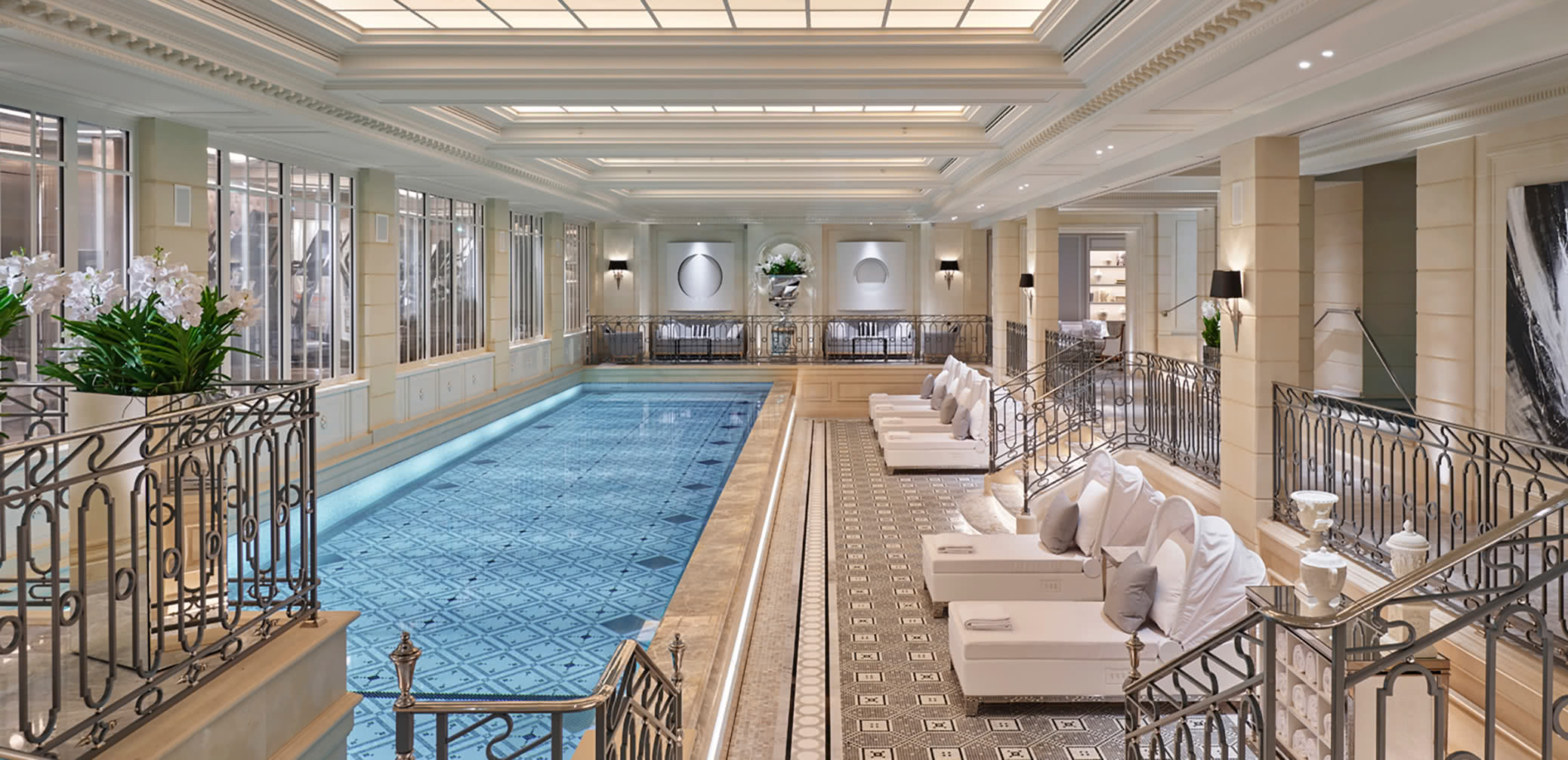 Top 10 Best Luxury Hotels With Pools In Paris
