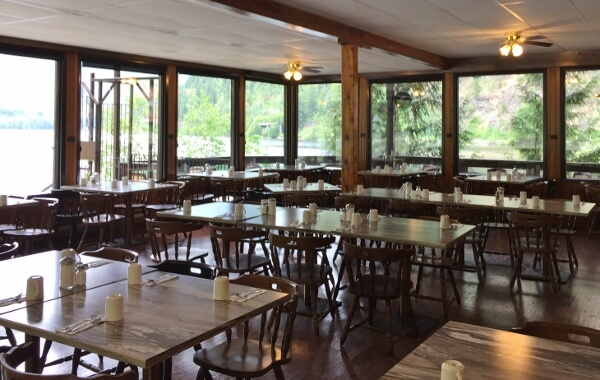 3 Valley Gap Monashee Dining Room